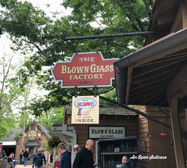 Amazing Theme Parks SilverDollar City
