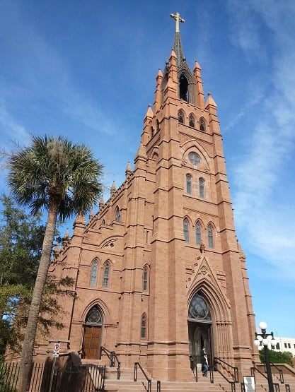 historic churches charleston sc