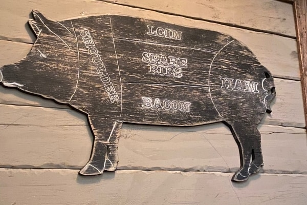 polite pig disney springs